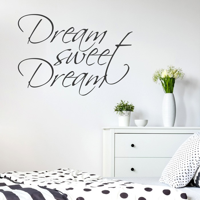wandtattoo spruch dream sweet dream. Black Bedroom Furniture Sets. Home Design Ideas