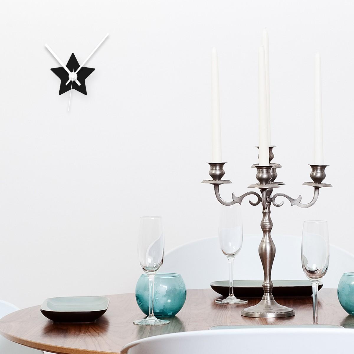 ideen f r ein ankleidezimmer mit schr ge. Black Bedroom Furniture Sets. Home Design Ideas