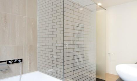Milchglasfolie - Hausmauer - 211 cm Höhe
