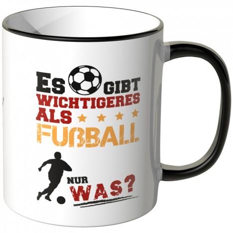 JUNIWORDS Tasse Es gibt wichtigeres als Fußball - Nur was?