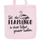 JUNIWORDS Pastell Jutebeutel Sei ein Flamingo in einer Schar grauer Tauben.