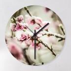 Wanduhr Kirschblüten im Schnee